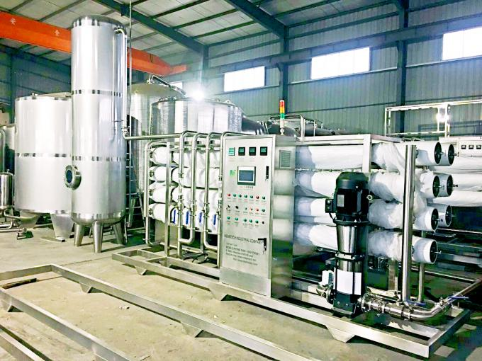 Small Capacity Drinking Flavor water production Line / Filling Machine / Bottling Plant with Round Bottle CE
