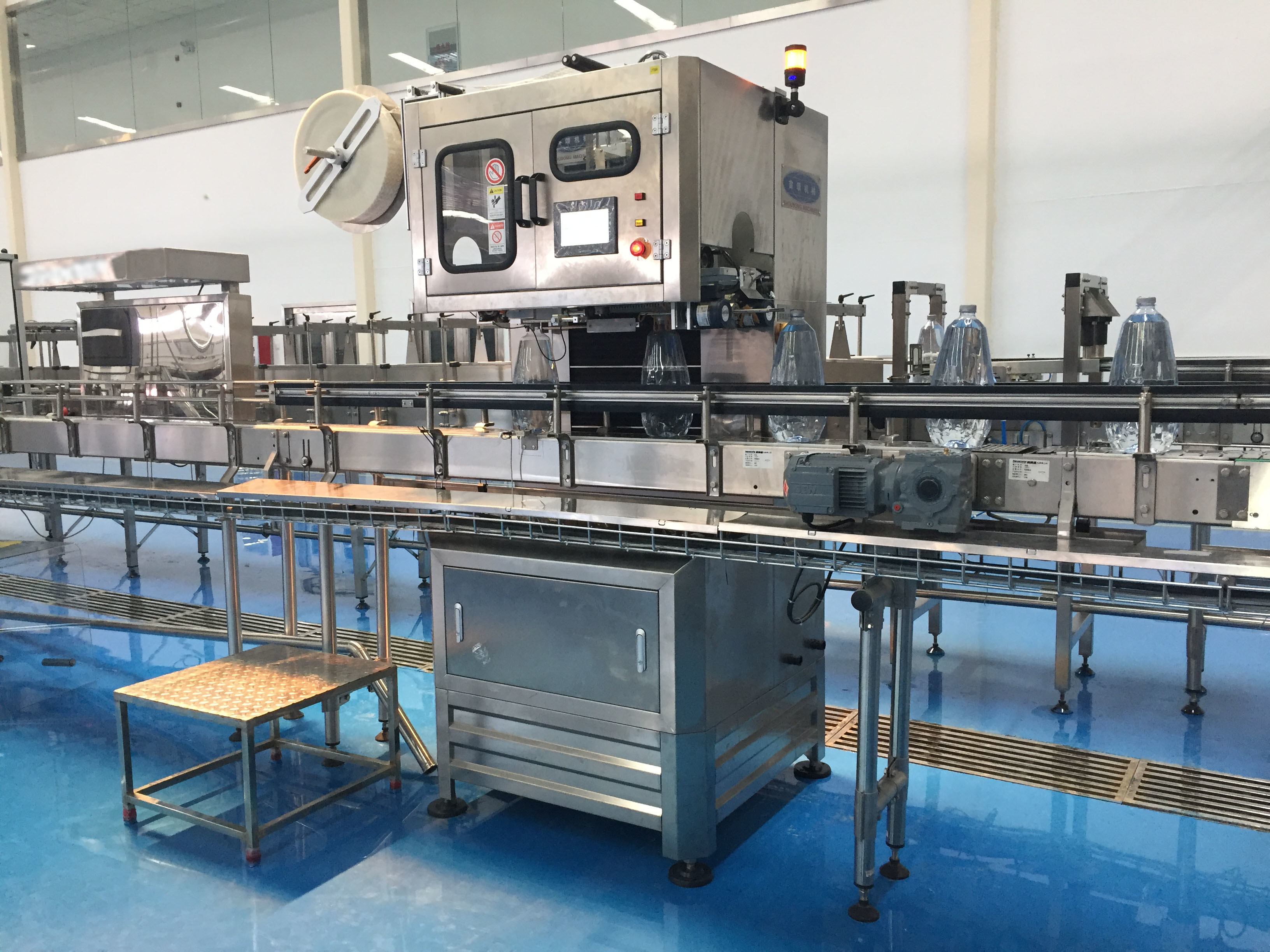 Bottled Water Production Machine , Complete Mineral Water Bottling Plant
