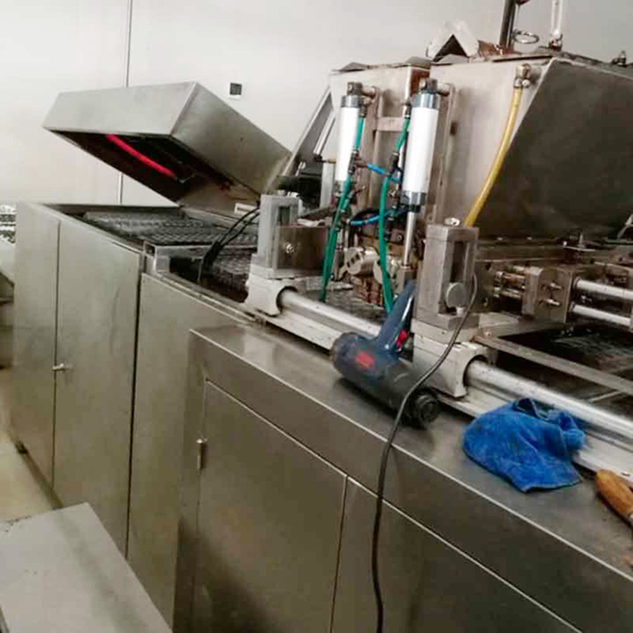 Wafer Biscuit Production Line Semi Automatic / Automatic Coin Chocolate Pure Chocolate