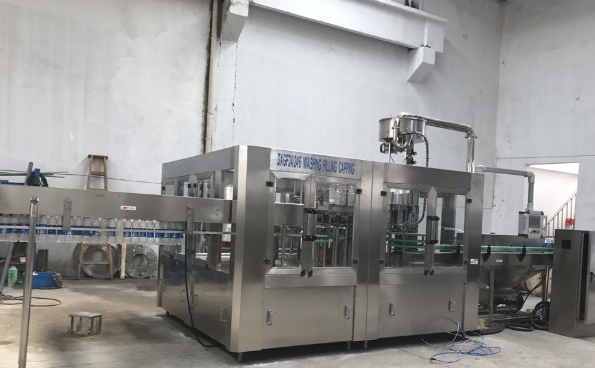 Small Bottle Beverage Filling Line Juice Energy Drink Soda Water Filling Machine