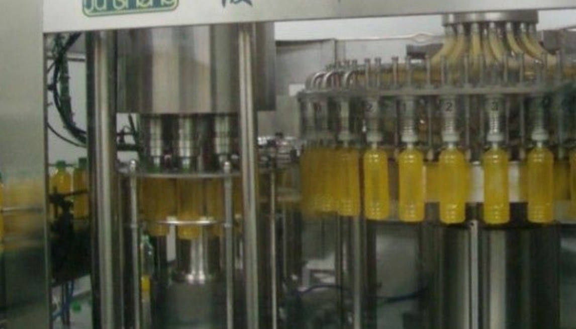 Stainless Steel 3 In 1 Water Filling Machine , Small Scale Juice Bottling Equipment
