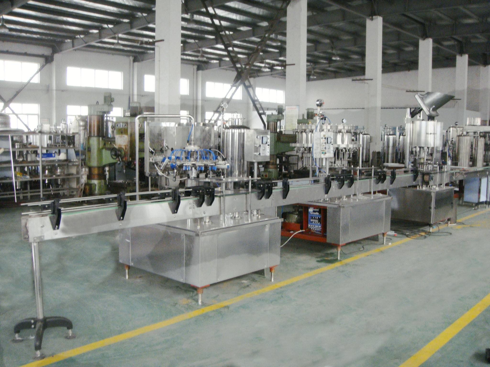 High Speed Carbonated Drink Production Line / Water Bottle Filling Machine