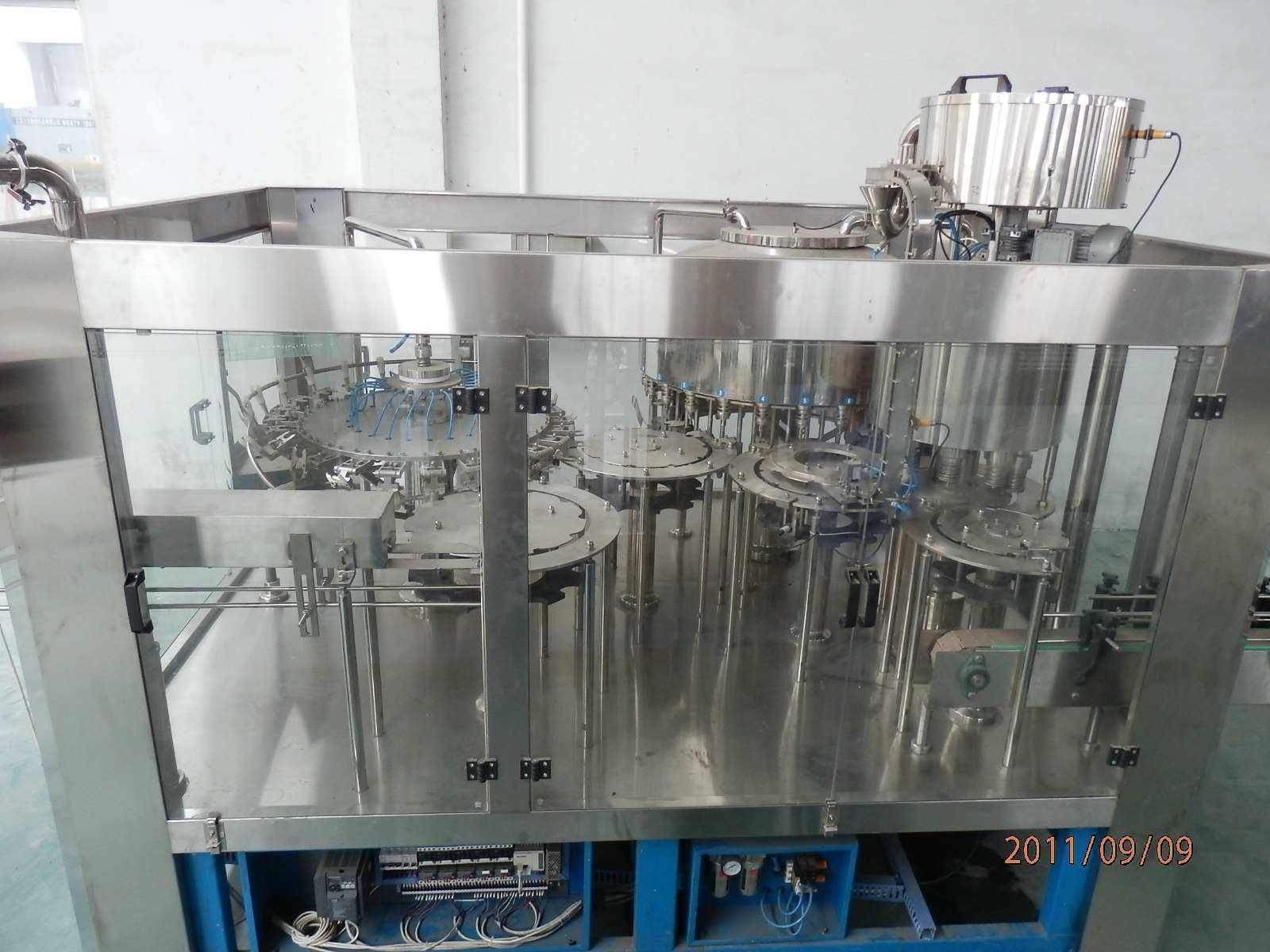 15000 BPH Carbonated Water Filling Machine / Production Line Commercial For Fruit Drink